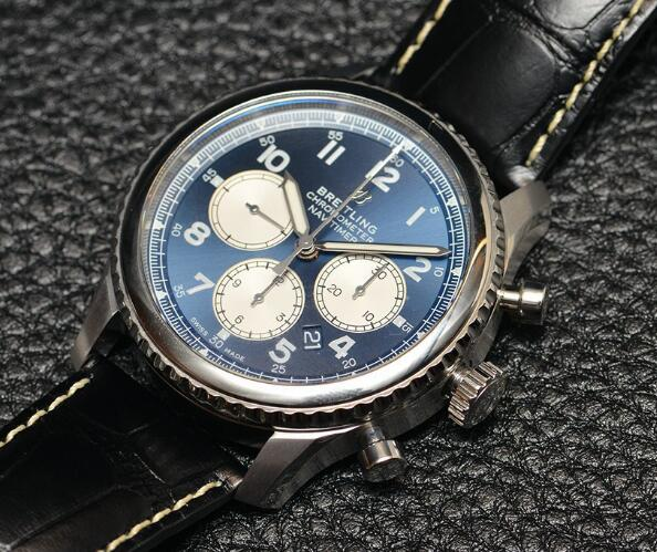 The Breitling timepieces have lots of exquisite details and precise functions, suitable to wear in the daily.