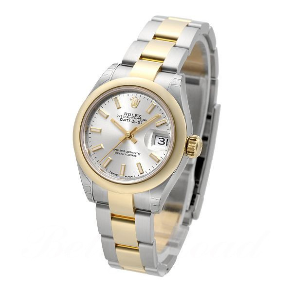 The fancy timepieces can draw much attention of female customers.