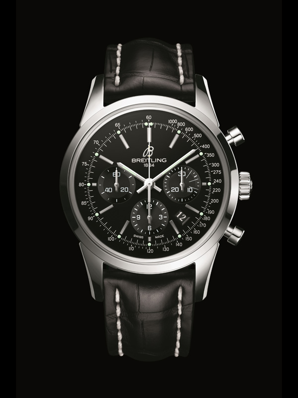 The classic and robust appearance of Breitling has attracted lots of watch lovers.