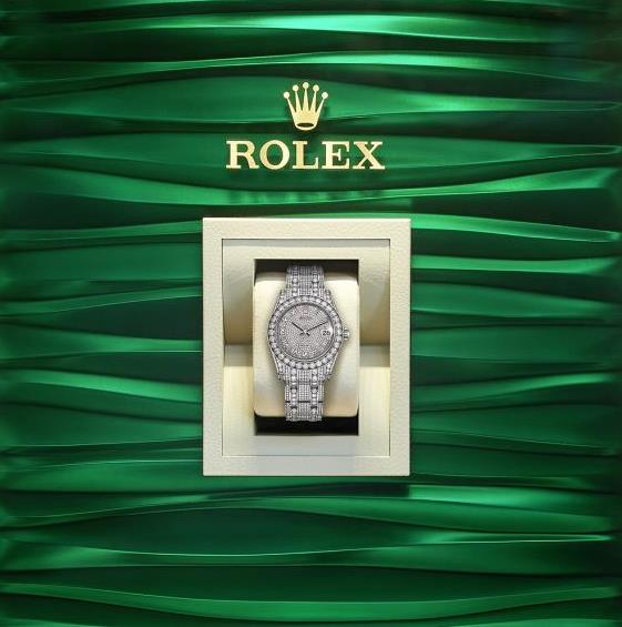 The luxury replica watches are made from 18ct white gold.